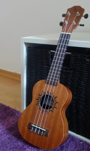 Guitar Type Alternative: Soprano Ukulele for children